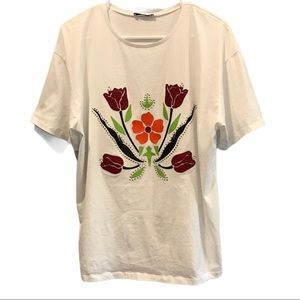 Zara woman basic white t-shirt flower medium
